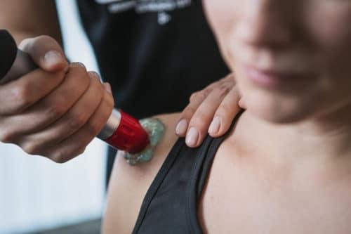 Stötvågsbehandling på Meldo & Geelnard Fysioterapi